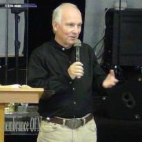 Dr. Gustavo Isbert (Doctor en teología)